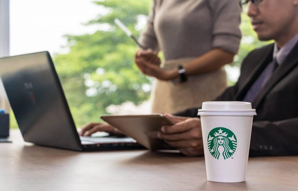 ที่นั่งทำงานชิดลม Starbucks ชิดลม